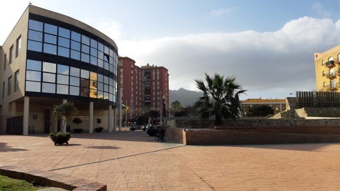 El Ayuntamiento de La Línea de la Concepción convoca una plaza de maestro.