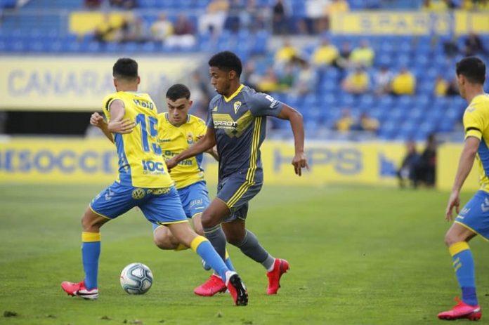 El Cádiz CF saca pecho ante Las Palmas (1-2)