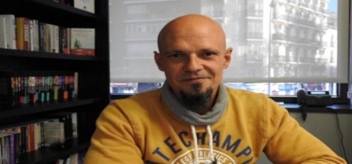 El escritor César Pérez Gellida estrena los encuentros virtuales de la UCA
