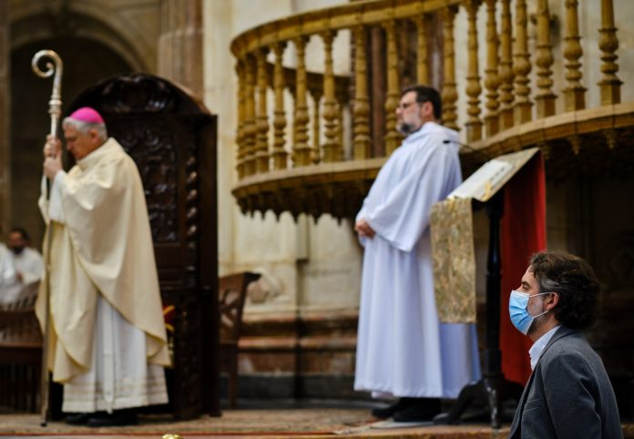 La Catedral de Cádiz reabre al culto en la Pascua del Enfermo