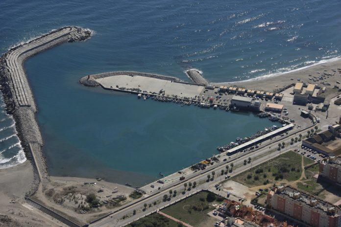 Licitan el dragado del puerto de La Atunara de La Línea