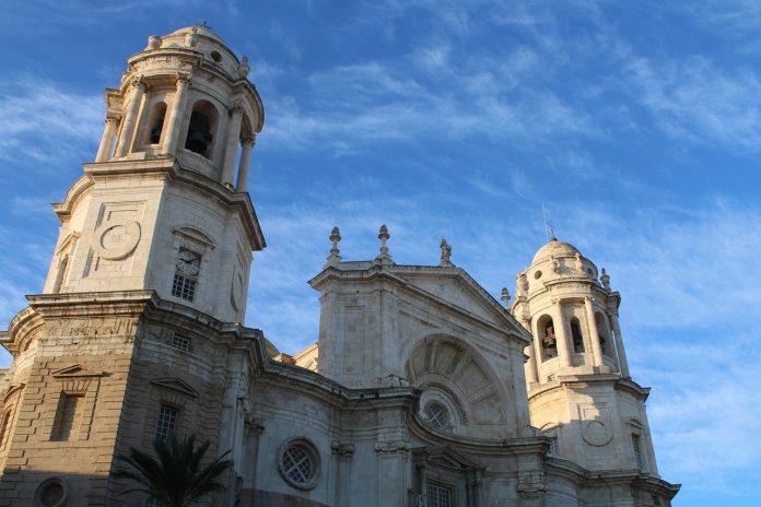 Las oficinas de turismo de Cádiz atienden a 119 personas desde su reapertura