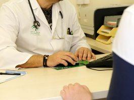 Disminuye en un 30,8 % las agresiones a profesionales sanitarios en 2020.