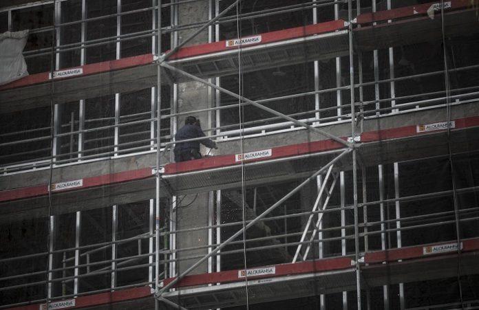 Andalucía lidera la contratación nacional en la construcción en mayo