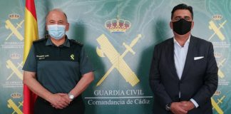 La Guardia Civil de Cádiz recibe al Cónsul Honorario de Uruguay en Cádiz, Ceuta y Melilla