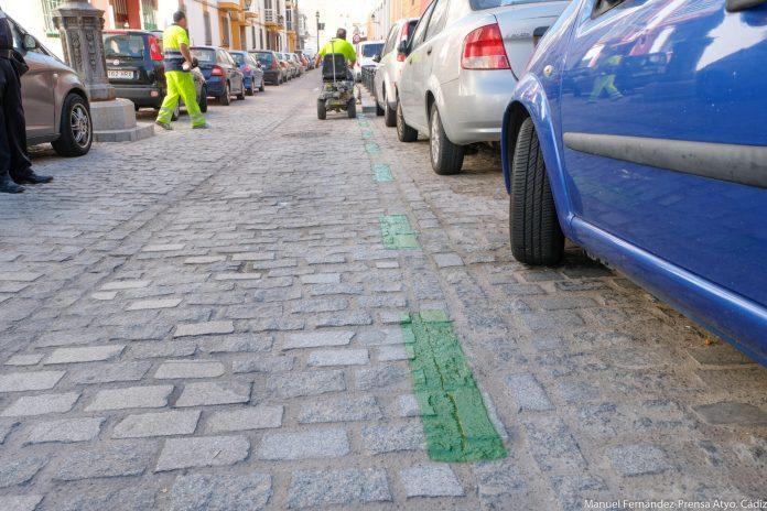 Pintan la nueva zona verde de aparcamiento para residentes