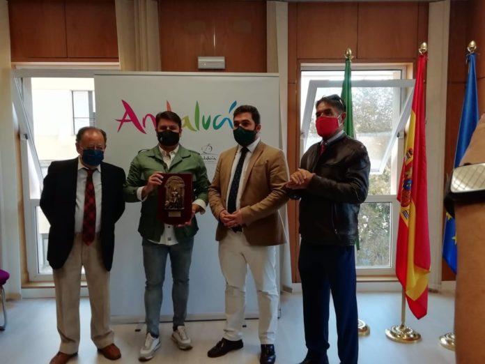 Entrega del premio 'Coplas para Andalucía' a la compara 'Las chusma selecta'.