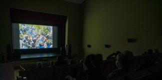 Proyección del Festival de Cine Africano en el teatro de Tarifa.