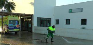 El operativo especial de limpieza y desinfección continúa desarrollándose por todo San Roque