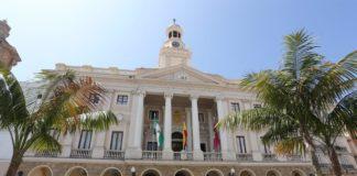 Adjudicadas tres nuevas intervenciones de mejora sobre equipamientos deportivos en Cádiz.