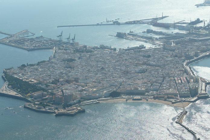 Cádiz amplía en 15 las plazas para las personas sin hogar ante la climatología adversa