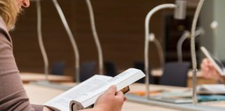 La UNED abre el plazo de preinscripción y admisión en grados