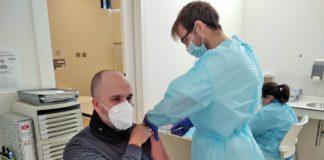 Comienza a administrarse la segunda dosis de la vacuna en la provincia de Cádiz