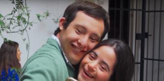 """Imagen del videoclip de """"Todas las canciones de amor hablan de ti""""."""