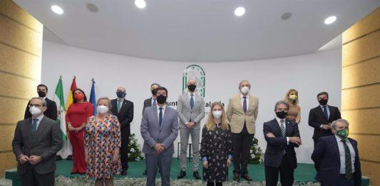 """Premian la """"generosidad, compromiso y fuerza"""" de la provincia por el Día de Andalucía"""