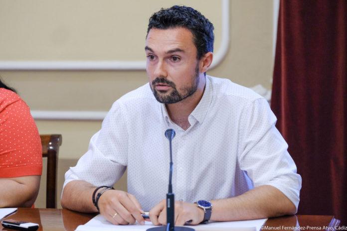 Cádiz convoca la Mesa del Taxi para continuar la tramitación del proyecto de la Ordenanza del sector