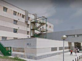 El hospital de Algeciras realiza su primera cirugía intrarrenal para eliminar cálculos a un paciente