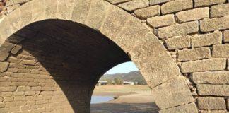 La Junta realiza obras de emergencia para adecuar la presa de Charco Redondo en Los Barrios