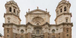 Cádiz aborda el diseño de nuevas rutas turísticas con el colectivo de guías de turismo
