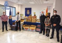 Policía Nacional junto con Isoje entrega en Jerez casi 700 kilos de alimentos para los más desfavorecidos