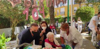 La residente más longeva de la Residencia de Diputación Matía Calvo cumple 104 años de edad
