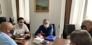 Acuerdo para limpiar los fondos marinos de la Alameda en septiembre