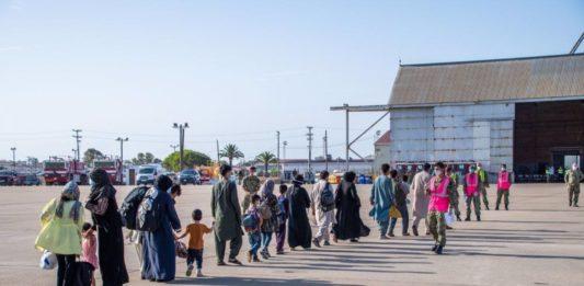 Aterriza en la base de Rota un tercer avión con 220 evacuados de Afganistán